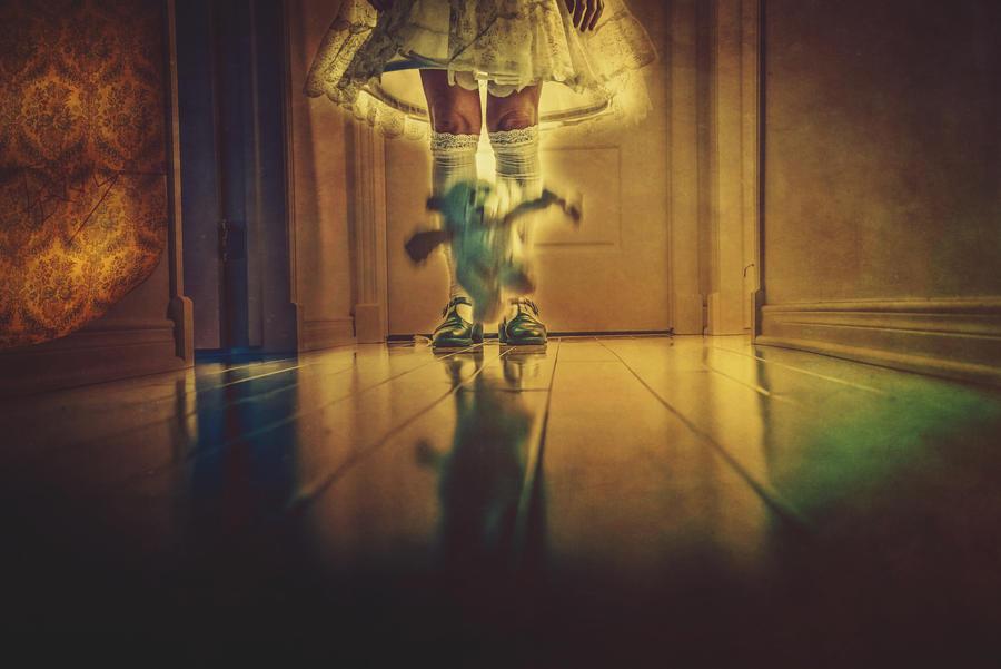 Le Corridor - Teddy by BeautifulDisasterIam