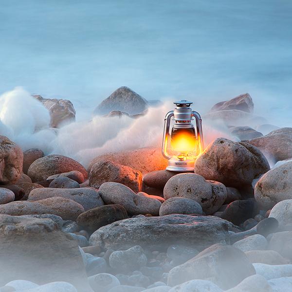 Last seconds of light by Invi-Light