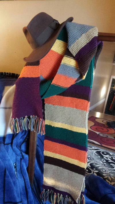 17 foot Doctor Who Scarf