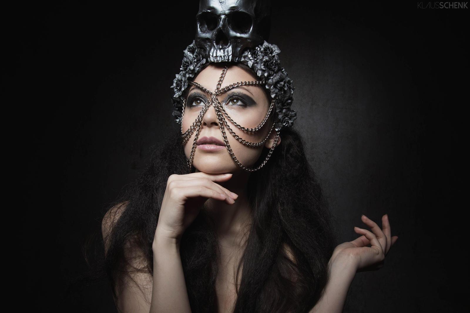 Dark Beauty by kschenk