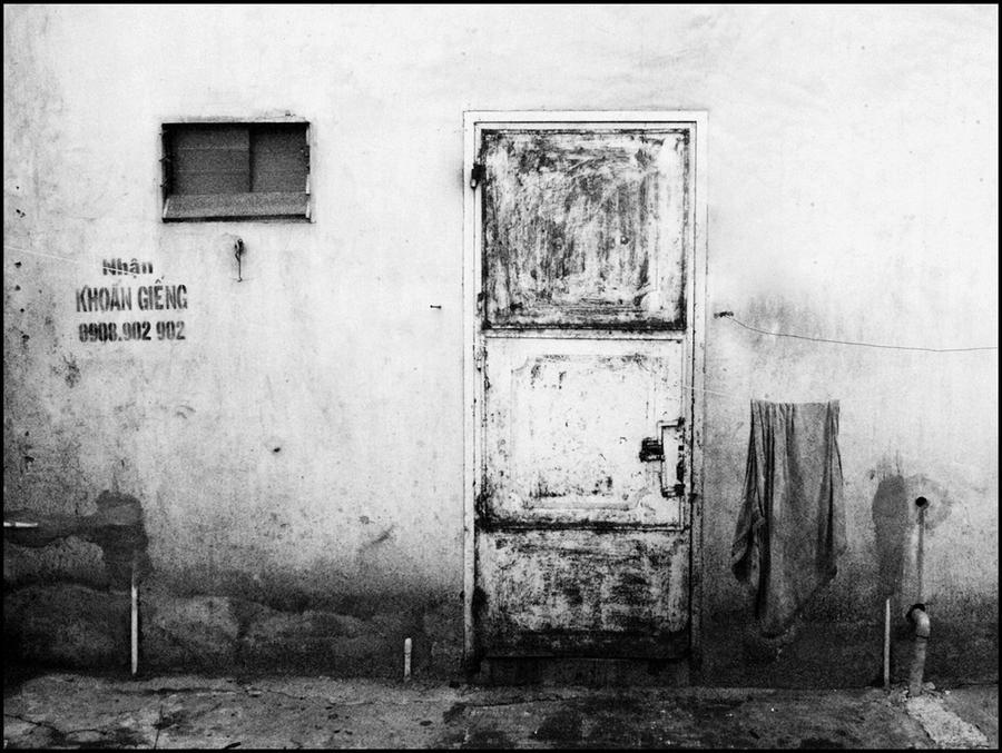 The Old Door - BnW by WillTC