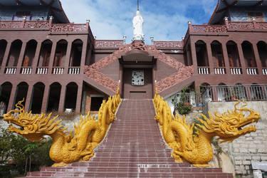 Trung Son Co Tu Pagoda by WillTC