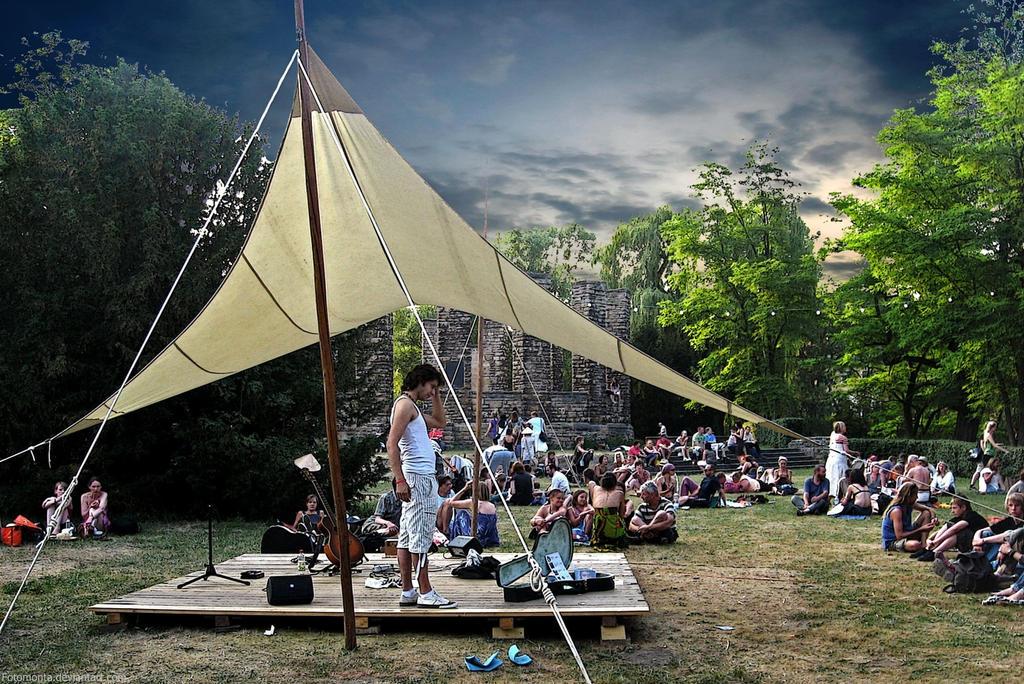 Festival Mood by Woscha