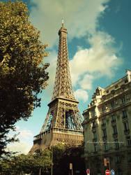 La tour Eiffel by MaliciouslyYellow