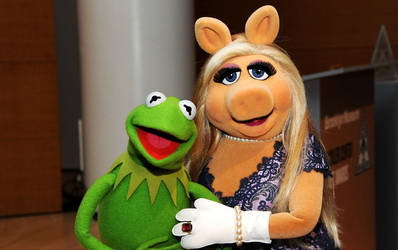 Kermit the Frog X Miss Piggy by cpeters1