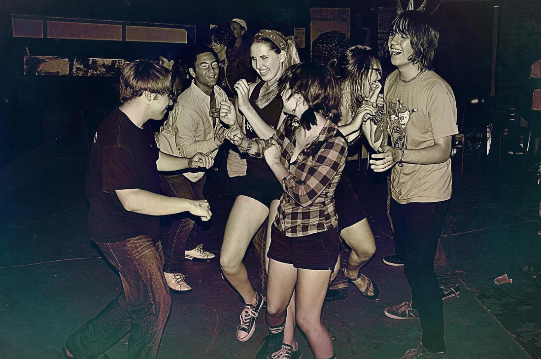 Slam Dancing Friends by 5bodyblade on DeviantArt