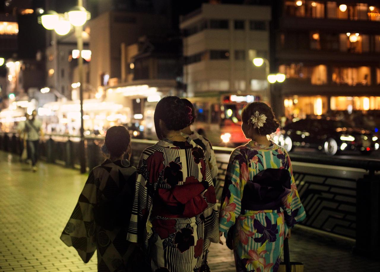 Kyoto at Night by 5bodyblade