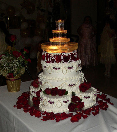 Wedding cake with Red Roses by blackrose69 on DeviantArt