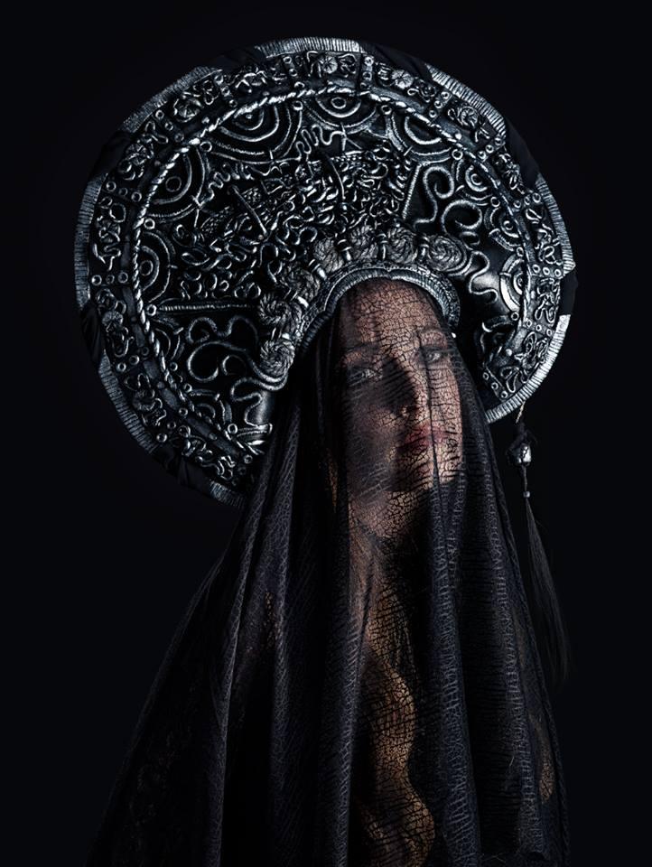Headdress by Hiluvia