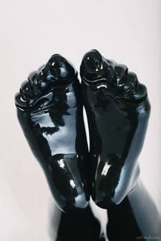 Feet in latex