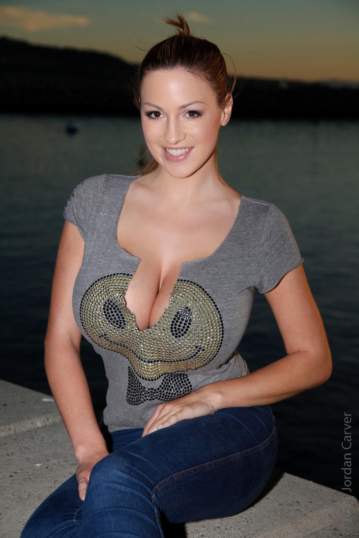 Jordan Carver by linkingeek