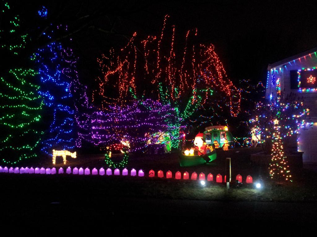 Christmas house 7 by ManhattonOctoberfest