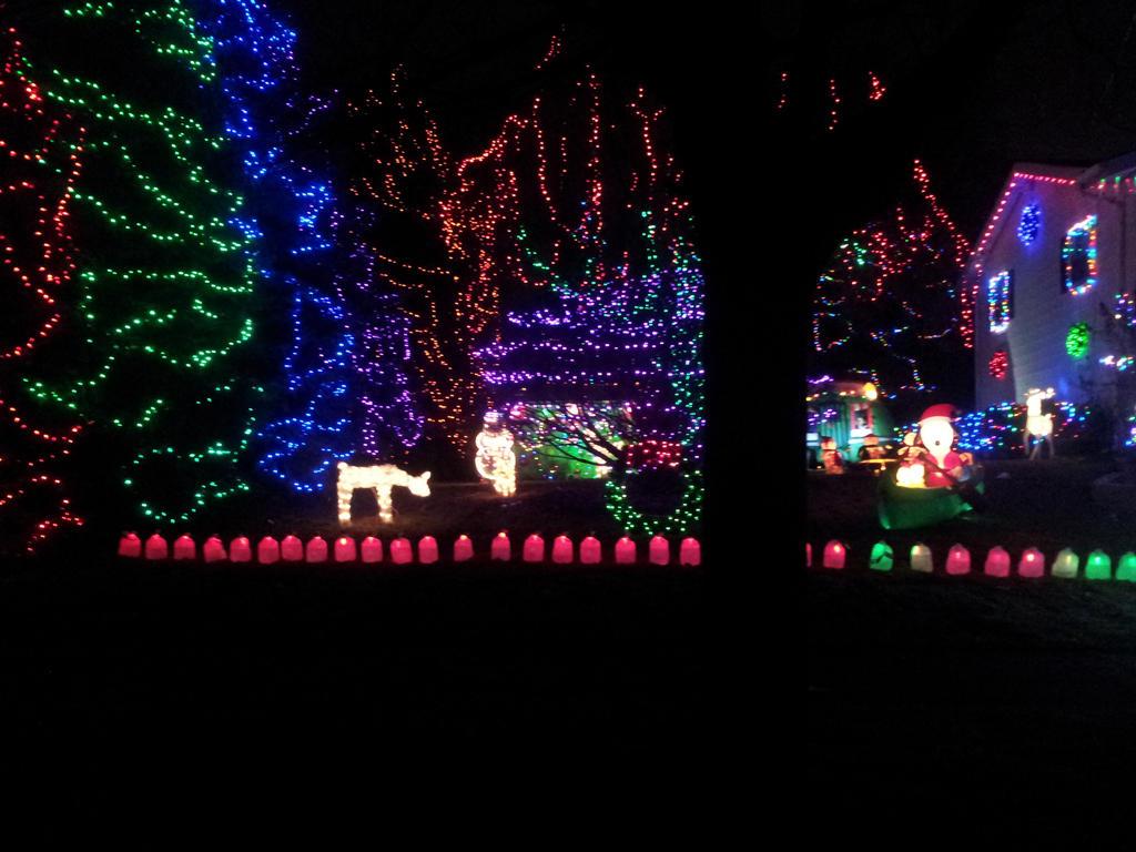 christmas house 8 by ManhattonOctoberfest