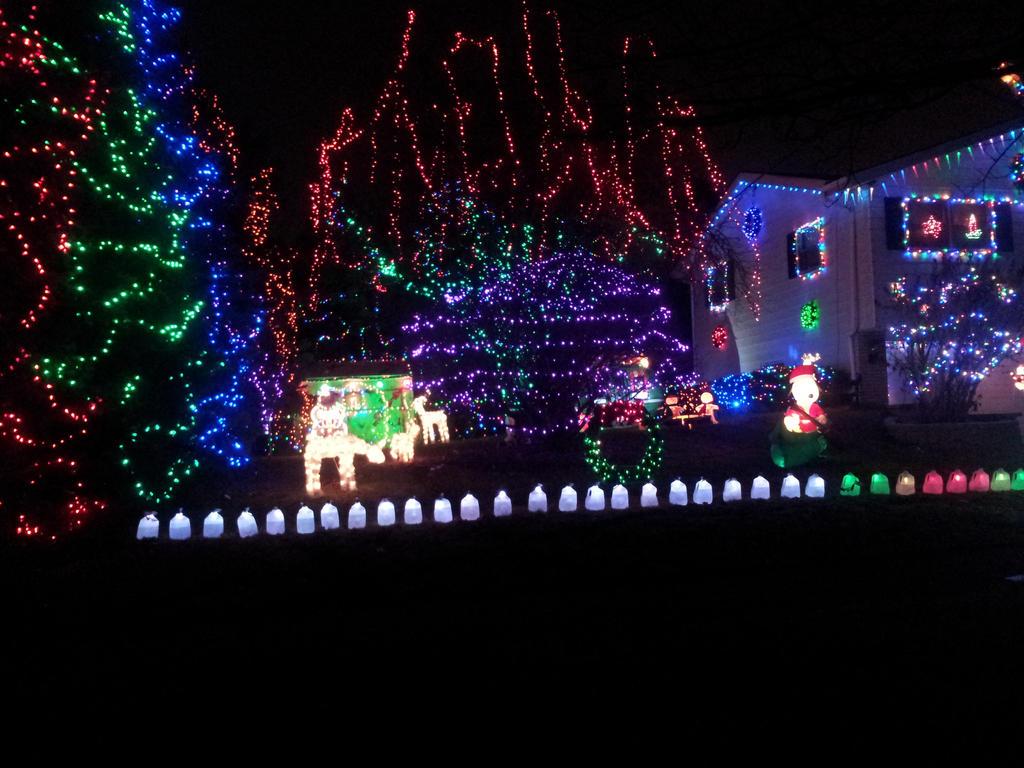 christmas house 9 by ManhattonOctoberfest
