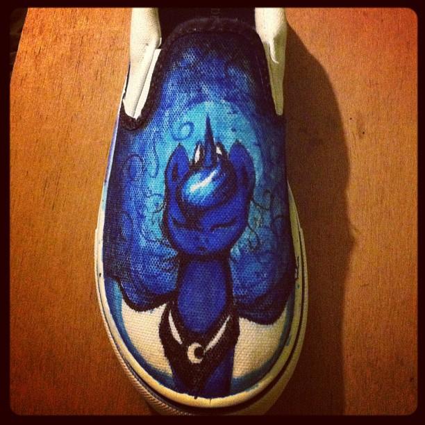 Luna Shoes! (Custom made) by IfreakenLoveDrawing