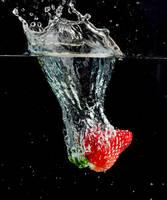 strawberry by NOIZEG