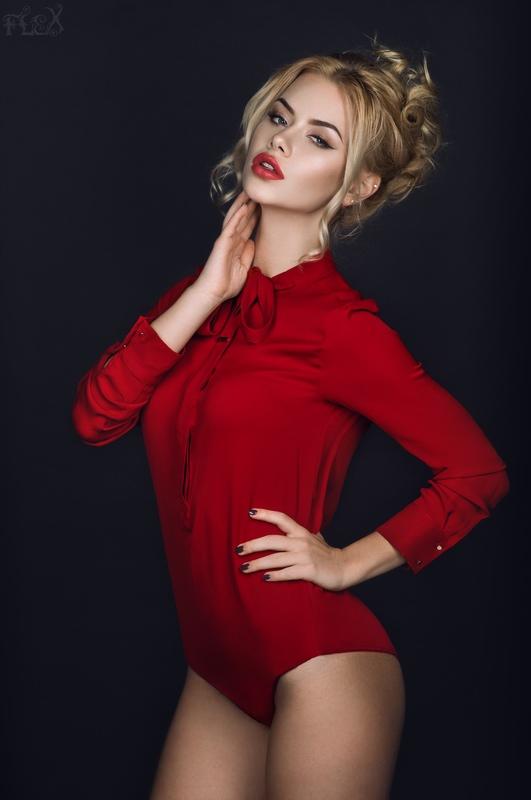 Vikky in Red Bodysuit by FlexDreams