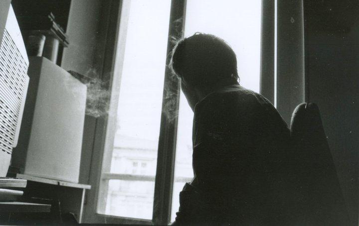 [تصویر:  smoking_at_the_window_by_juicebow-d3b9n6p.jpg]