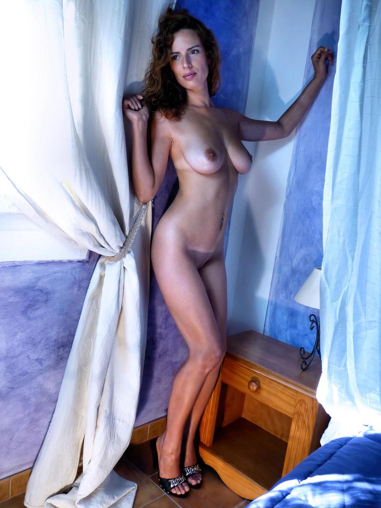 Jessy, in the blue room 04 by DanSOLER
