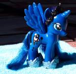 Princess Luna Fashion Pony Custom-Gauntlets/Crown