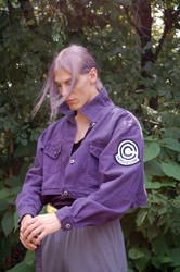 Future Trunks cosplay - looking down