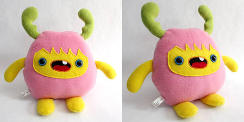 Moozi - Monchi Monster Plush by yumcha