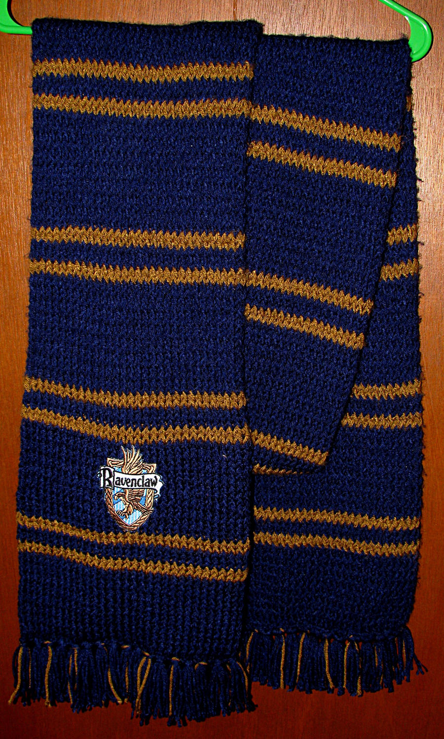 Ravenclaw Scarf Knitting Pattern : Hogwarts Scarf Type 2 - Raven by gabiemiller on DeviantArt