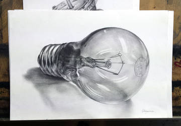 Bulb study - pencil drawing by Hanulsora