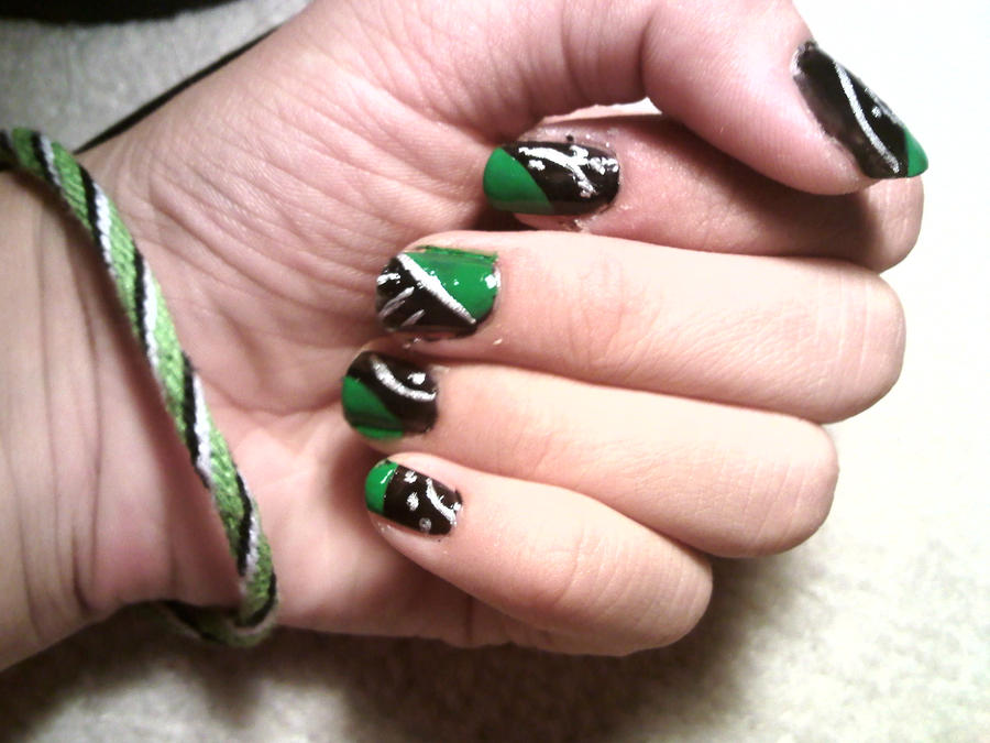 Slytherin Nails by District4Mudblood on DeviantArt