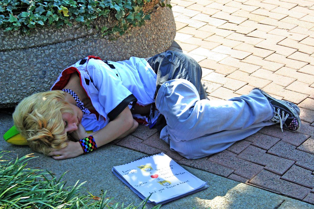 Kingdom Hearts FC Give_Roxas_his_heart_back_by_vvmasterdrfan