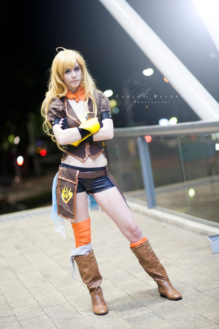 RWBY: Yang Xiao Long by RadClawedRaid