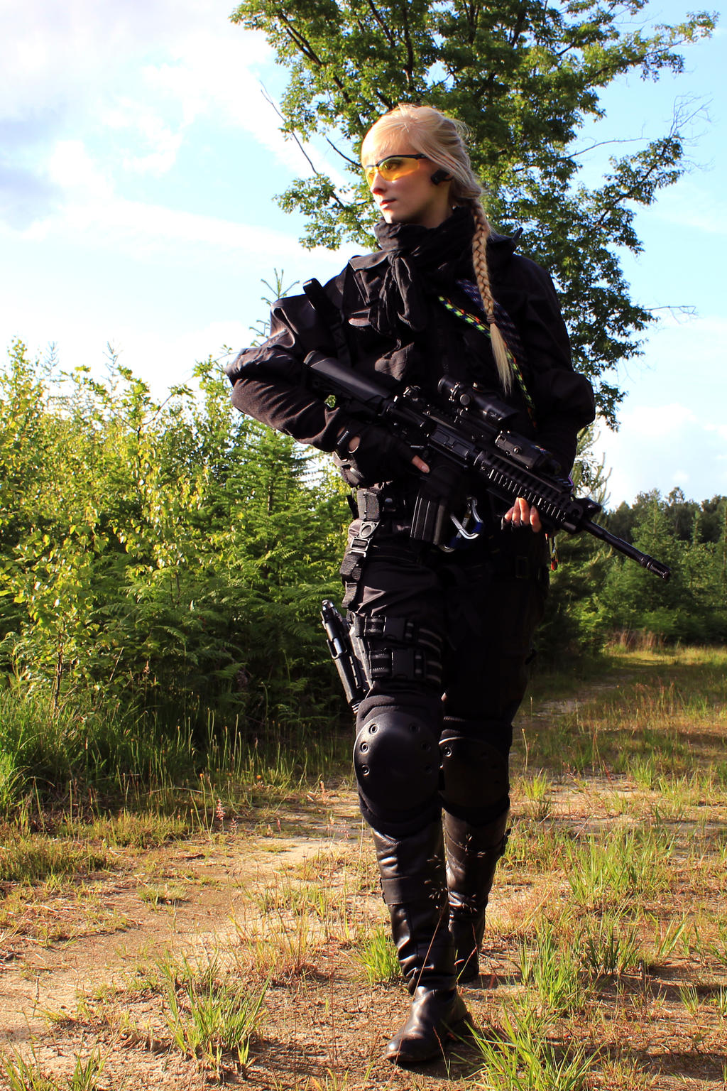 Airsoft Girl in a Match by PhelanDavion