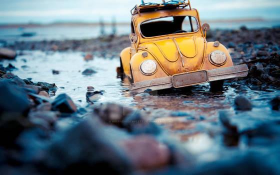 Volkswagen-beetle-toy