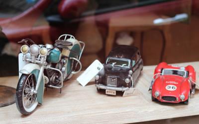 Motorcycle-cars-retro-mood