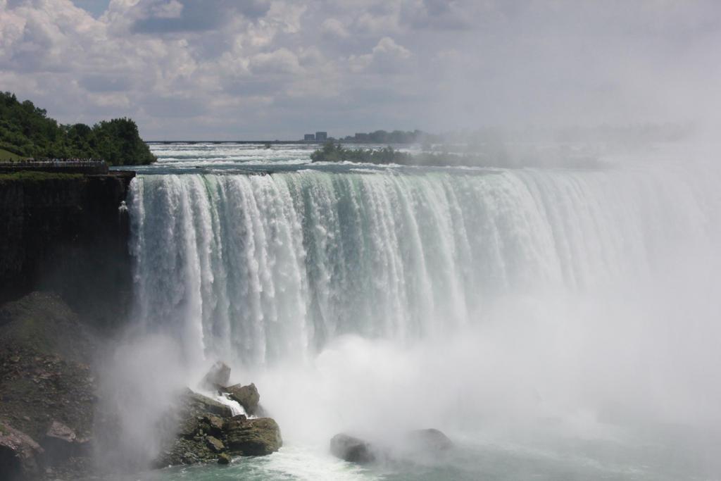 Niagara Falls by JaggerLovesYou