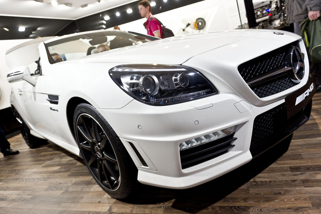 Salon de l 39 auto geneve iii by croc blanc on deviantart for Adresse salon de l auto geneve