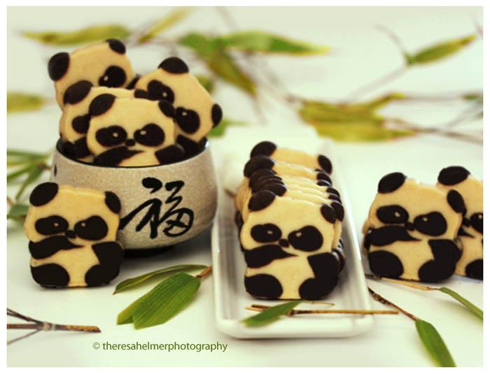Adorable Panda Bear Cookies by theresahelmer
