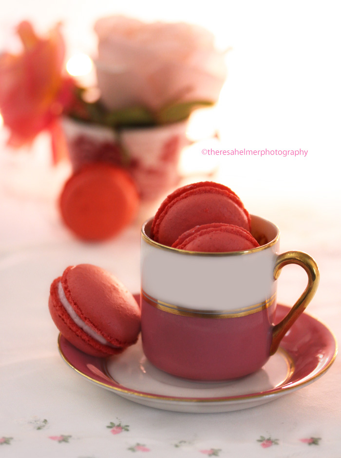 Homemade Strawberry Macaroons by theresahelmer