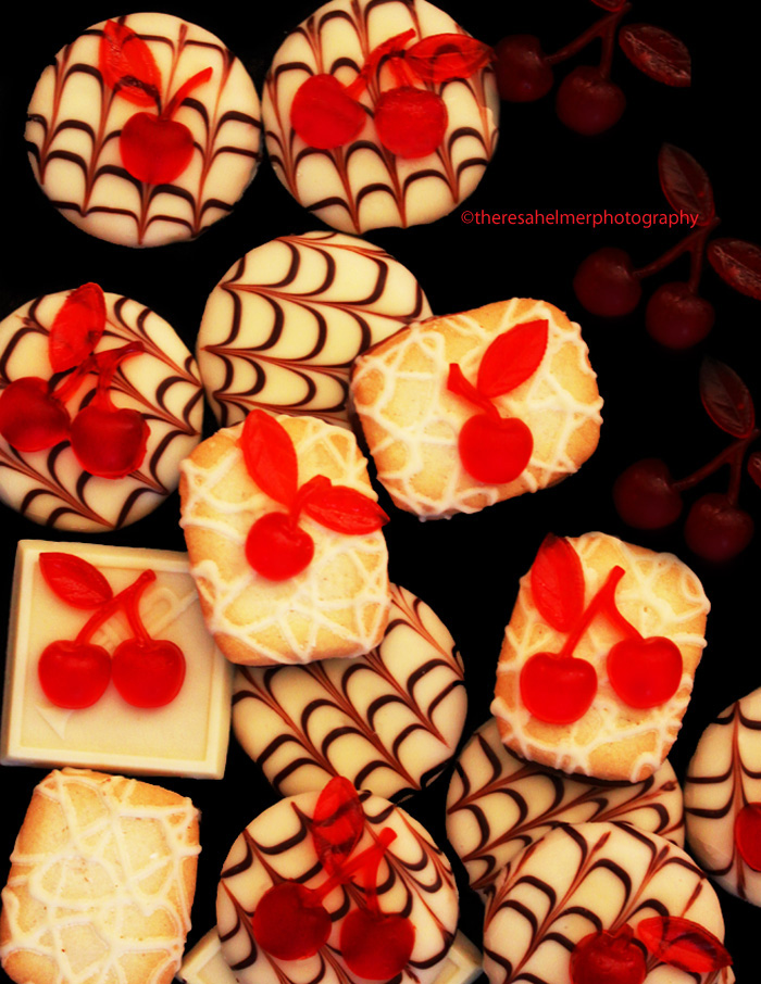 Cookies w/ Cherry Gelee by theresahelmer