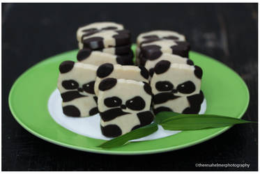 A Plate of Panda Cookies by theresahelmer