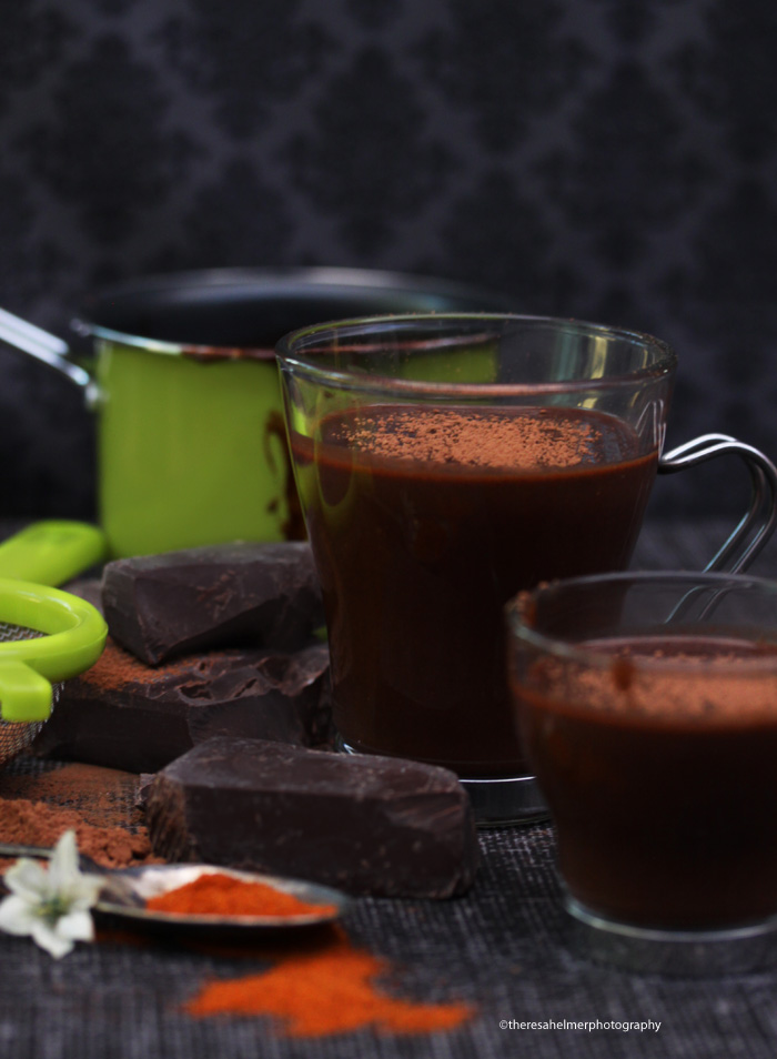 Make The Best Hot Chocolate Ever (+ instruction) by theresahelmer