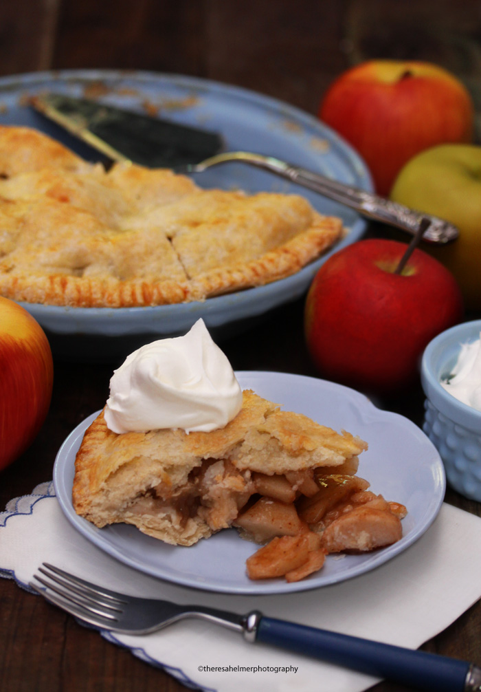 Classic Apple Pie (with recipe) by theresahelmer on DeviantArt