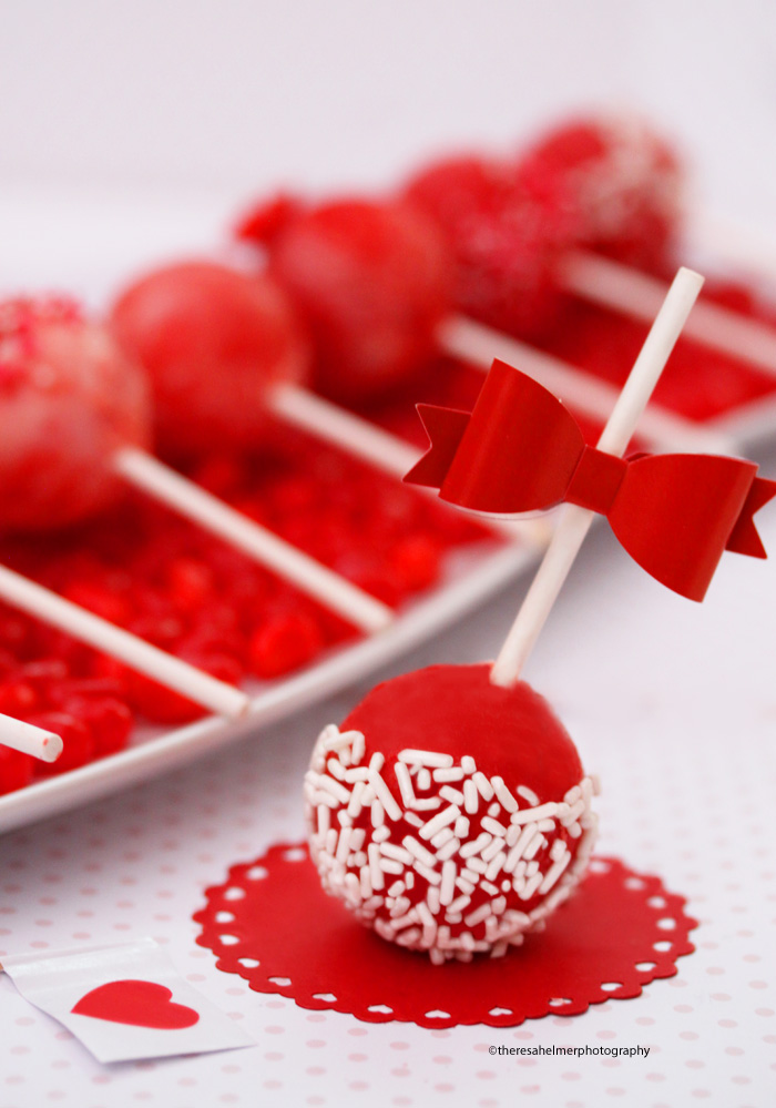 Pretty Valentine Cake Pops By Theresahelmer ...