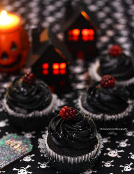 Blackberry Halloween  Cupcakes