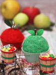 Green Apples. Red Apples. Cupcakes