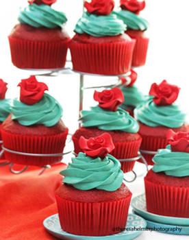Aqua Red Cupcakes