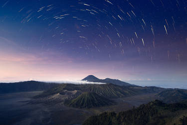 stars over the volcanos by Katoman