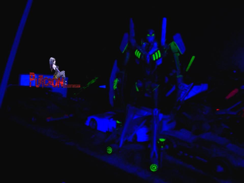 gobots customs , under uv light, leader-1 by puticron