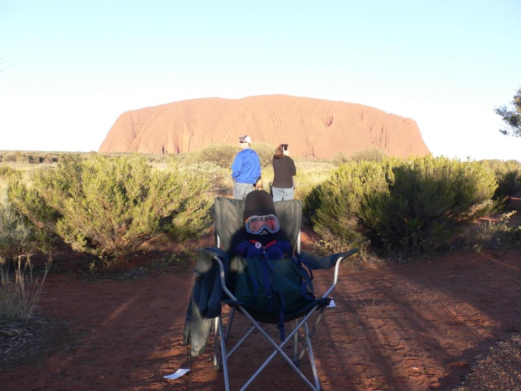 Miffa at Uluru by miffona