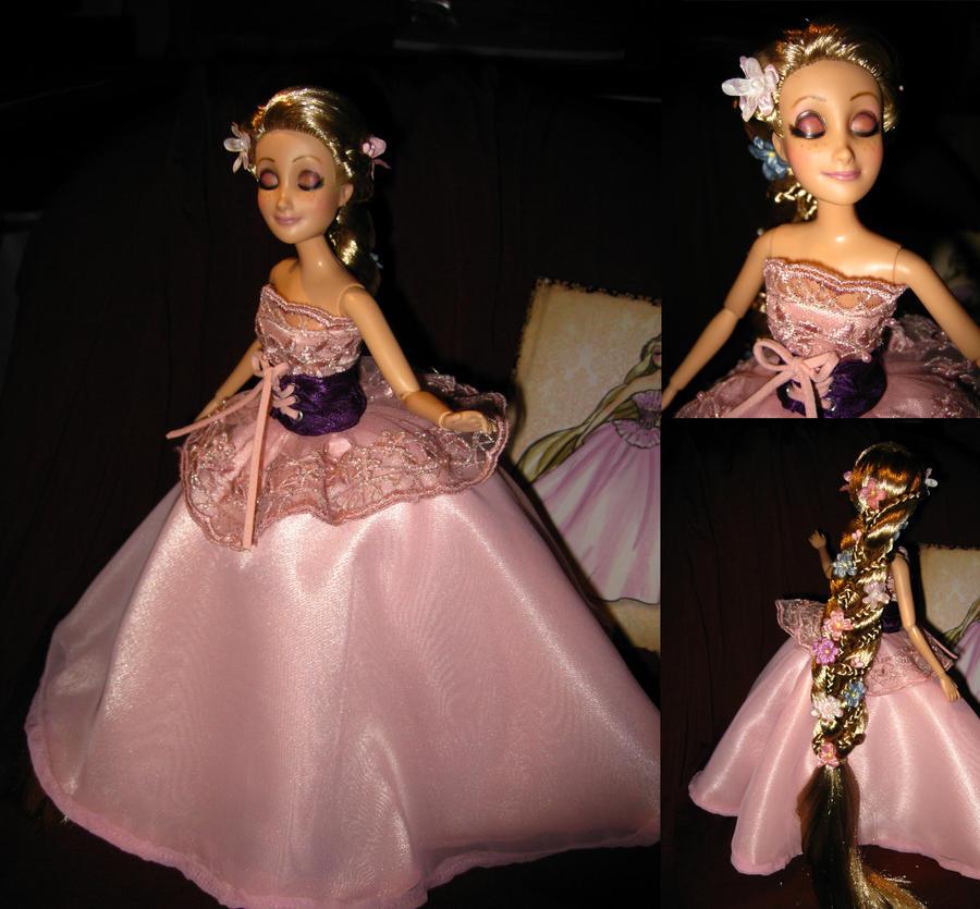 Disney Princess Designer Collection (depuis 2011) - Page 23 Ooak_rapunzel_designer_doll_by_daphnetails-d4dem23